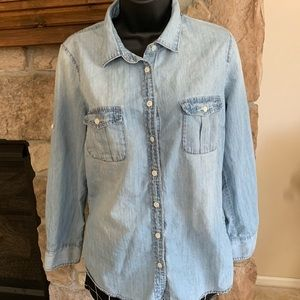 J Crew button up denim. Light wash size 10